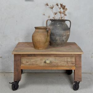 Soffbord - Återvunnet trä - På hjul & Med låda - 73 x 40 cm - www.frokenfraken.se