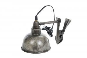 V.39 - Lampa - Klämspott - Industristil - 15 x 15 cm - www.frokenfraken.se