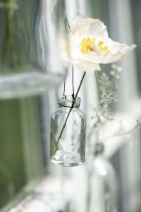 Glasflaska - Vas i tråd - 30 ml - Ø3,2 x 6,5 cm - www.frokenfraken.se