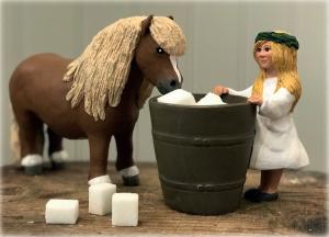 Maja & Ponny - Med tunna - www.frokenfraken.se