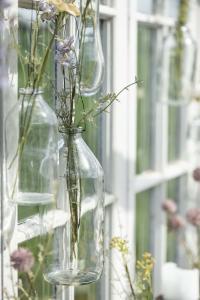 Glasflaska - Vas i tråd - 1000 ml - Ø8,7 x 22,5 cm - www.frokenfraken.se