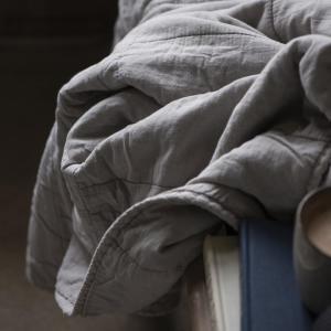 Pläd - Ash Grey - 130 x 180 cm - www.frokenfraken.se