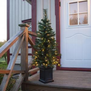 Julgran i fyrkantig kruka - 120 cm - Inomhus & Utomhusbruk - www.frokenfraken.se