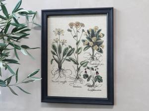 Tavla - Blomstermotiv & Svart ram - 43 x 33 cm - www.frokenfraken.se